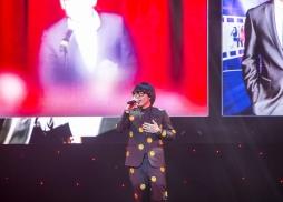 第二季中國好聲音冠軍李琦演唱中美電影節主題曲《就這樣長大了》