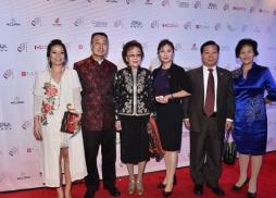 美國華人社團聯合會主席鹿強(左二)與著名僑領張素久(左三)等嘉賓