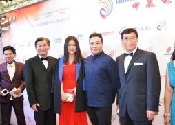 中美電影節委員、LACC 教授廖茂俊(左二)