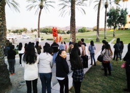 Cal Poly Pomona students enjoying the traditional Lion Dance before screening. 展映前董教授特別邀請舞獅隊起來助興