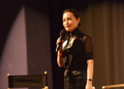 中國駐洛杉磯總領事館文化領事王瑾致詞