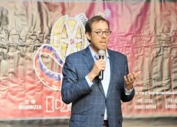 中美電影節委員、曾執導獅子王等大片的奧斯卡得主、好萊塢著名導演,Rob Minkoff 致辭