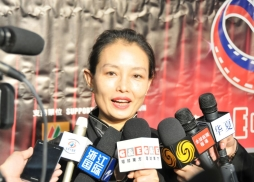 中國駐洛杉磯總領館文化領事王瑾接受媒體訪問
